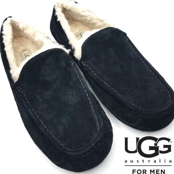 5e422fb4548 Ugg Men's 11 Ascot Moccasin Slippers 5775 Black